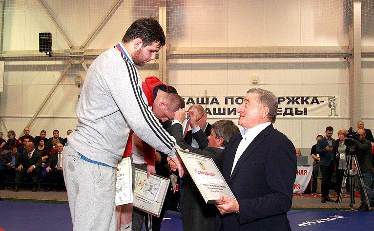С. Лукин принял участие вторжественной церемонии награждения победителей чемпионата России погреко-римской ивольной борьбе