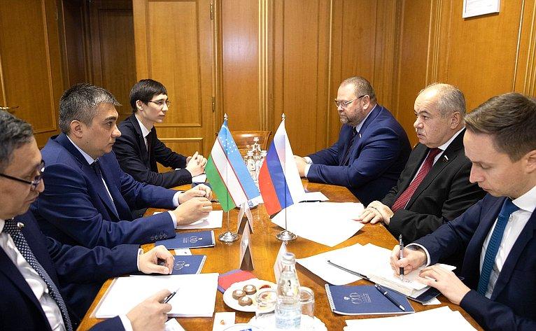 Встреча И.Умаханова сПослом Республики Узбекистан вРФБ.Асадовым