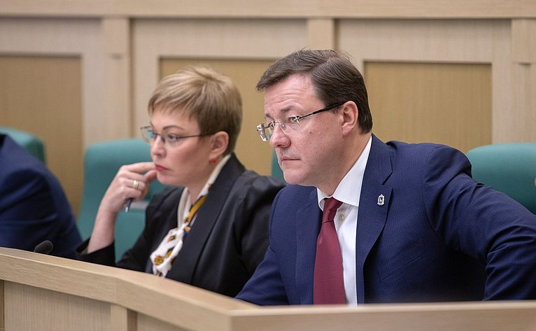 Марина Ковтун иДмитрий Азаров