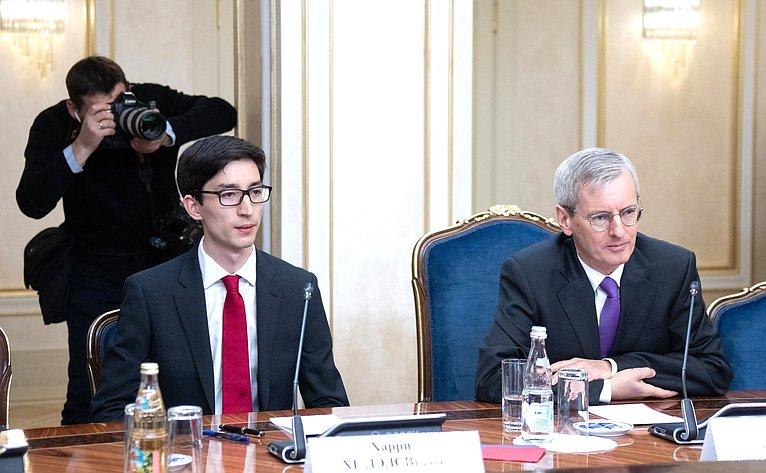 Встреча К.Косачева сЧрезвычайным иПолномочным послом Великобритании вРФ Лори Бристоу