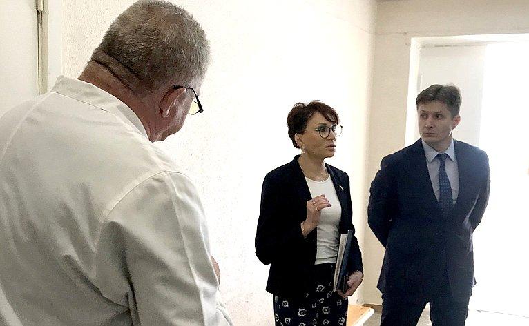 Т. Кусайко посетила медицинские учреждения вЗАТО Александровск Мурманской области