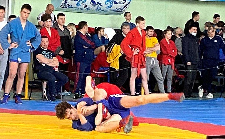 Всероссийские соревнования посамбо «Покровский» среди юношей идевушек вгороде Энгельсе