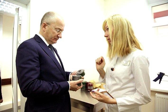 Олег Цепкин посетил Челябинский областной клинический центр онкологии иядерной медицины