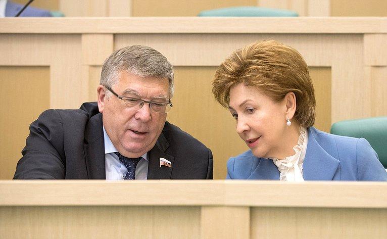 В. Рязанский иГ. Карелова