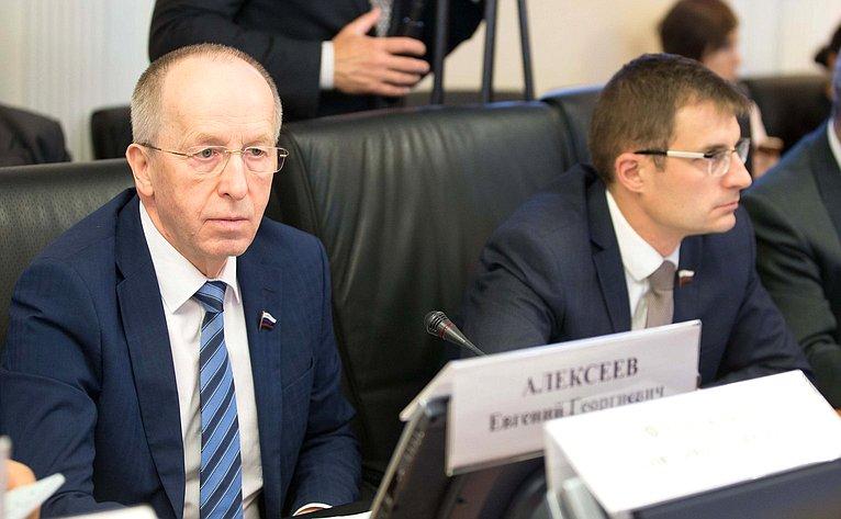 Е. Алексеев иД. Шатохин