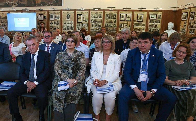 Заседание секции «Культурно-просветительские проекты как фактор сближения культур»