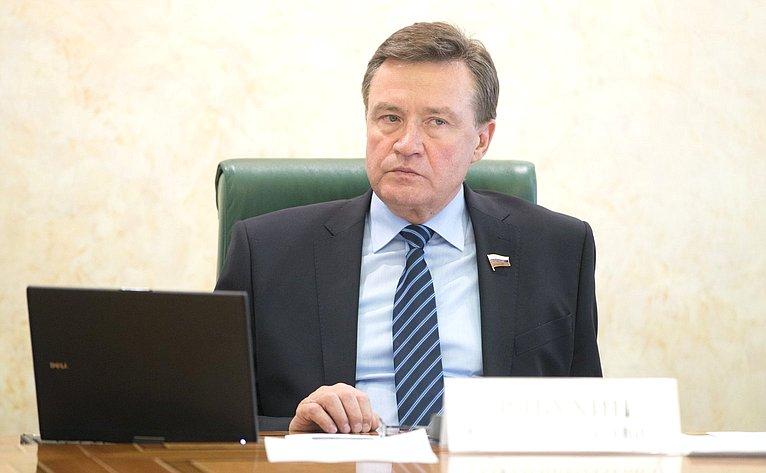 С. Рябухин