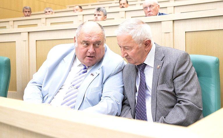 С. Аренин иМ. Дидигов