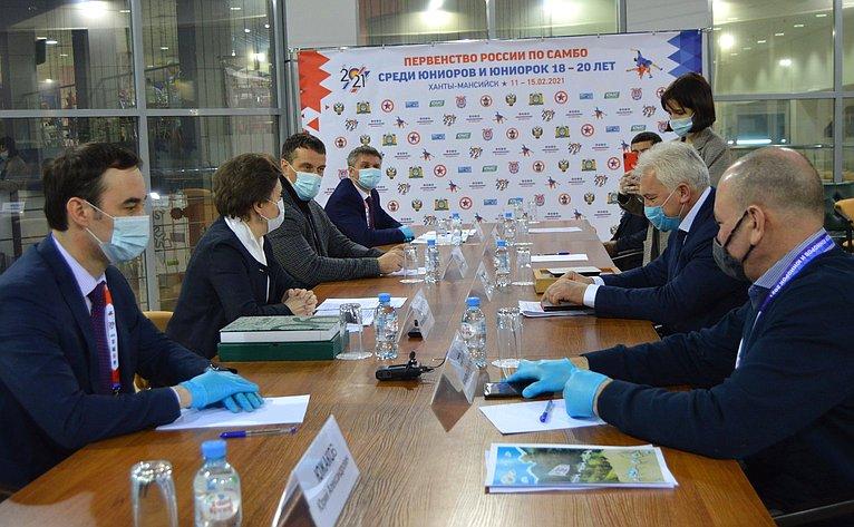 Эдуард Исаков обсудил возможность внедрения проекта «Адаптивное самбо» врегионе