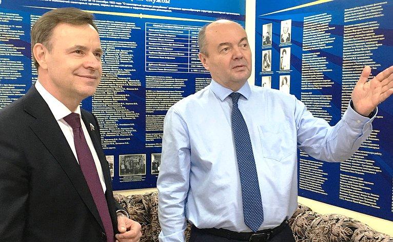 Виктор Новожилов осмотрел помещения вирусологической лаборатории