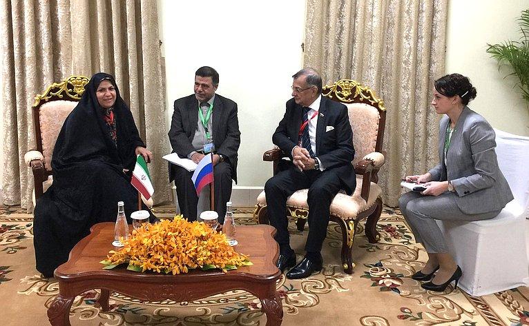 Беседа делегации СФ сПредседателем Национальной ассамблеи Королевства Камбоджа, Председателем АПА Хенг Самрином ипредседателем Союза молодежных федераций Камбоджи, членом Комиссии поиностранным делам, международному сотрудничеству, информации ипечати