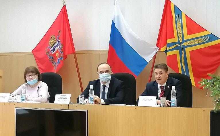 Андрей Шевченко совершил рабочую поездку вОктябрьский район Оренбургской области