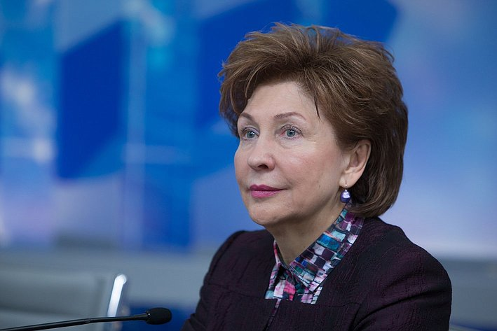 Совещание с лидерами региональных женских общественных организаций. Карелова