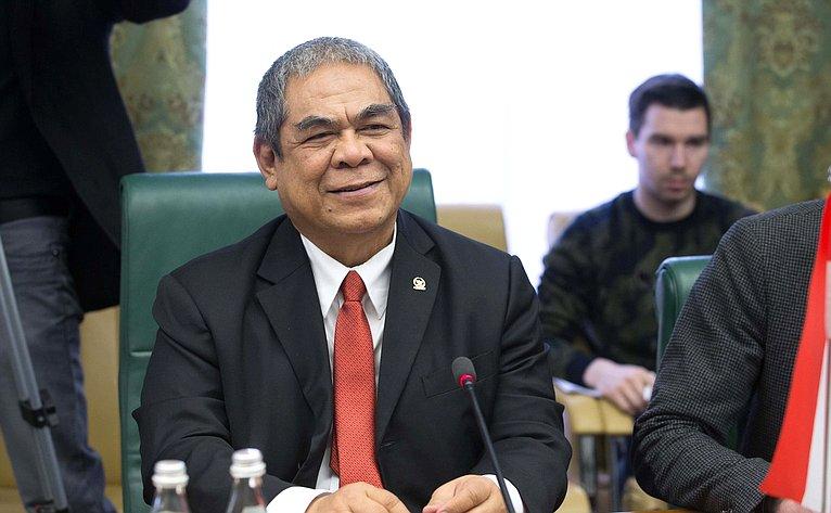 Встреча А. Кутепова сзаместителем руководителя Обзорного органа Народного консультативного конгресса Республики Индонезии Табагусом Сунманджайя