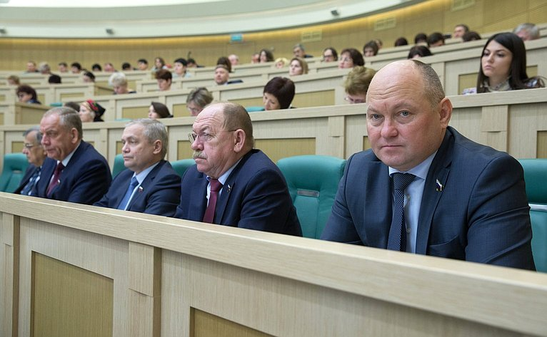 А. Кондратенко иГ. Орденов