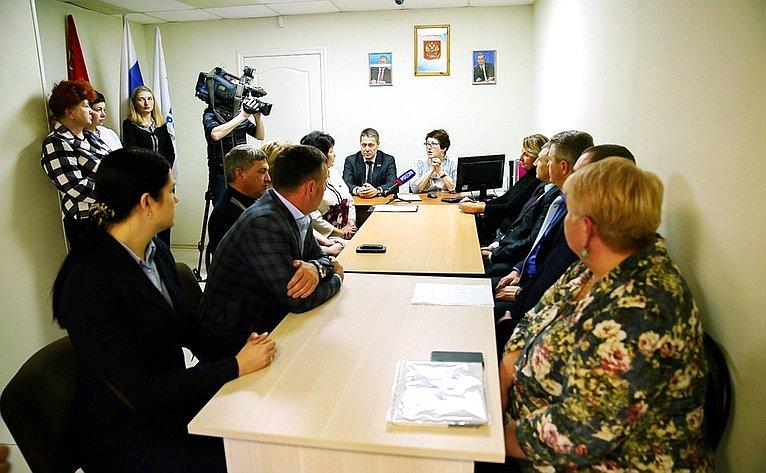 Людмила Талабаева провела прием граждан впос. Славянка Хасанского района