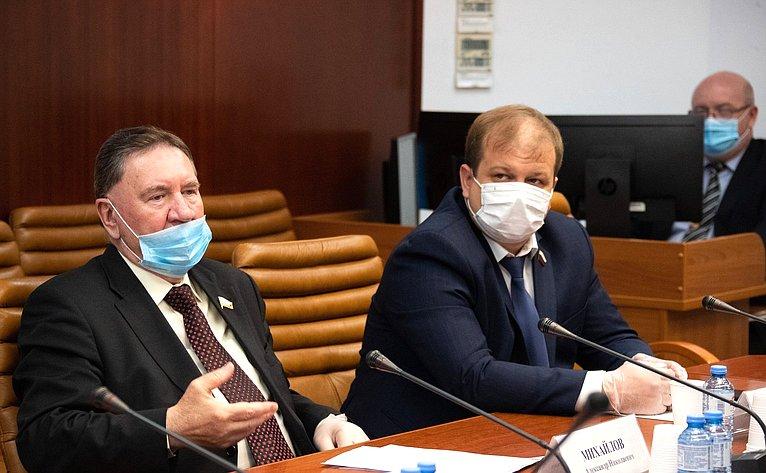 Александр Михайлов иСергей Безденежных