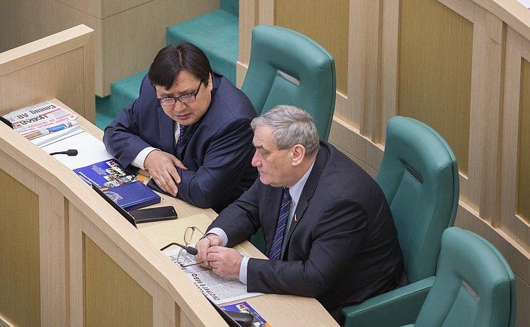В. Штыров иА. Акимов на386-м заседании Совета Федерации