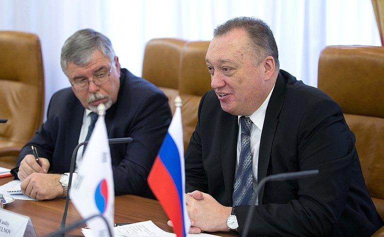 Вадим Тюльпанов провел встречу сГенеральным секретарем Национального собрания Кореи УЮн Кыном