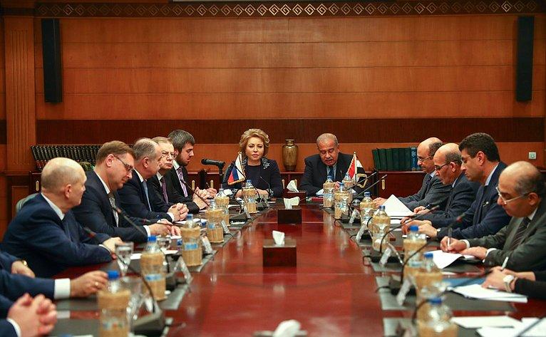 Валентина Матвиенко провела встречу сПремьер-министром Арабской Республики Египет Шерифом Исмаилом