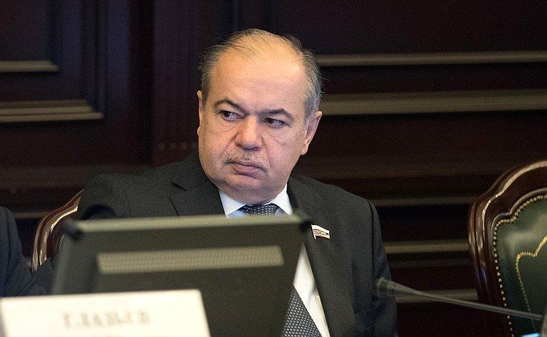 И. Умаханов