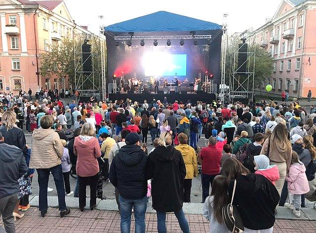 Концерт участников проекта «10 песен атомных городов», посвящённый 75-летию атомной промышленности вгороде Трёхгорном Челябинской области