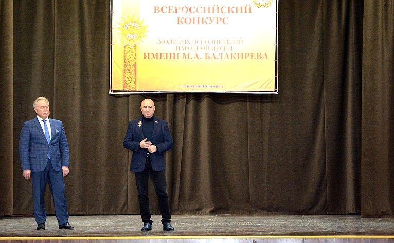Александр Вайнберг выступил сприветственным словом наоткрытии концерта «Тебя, Россия, поём иславим»