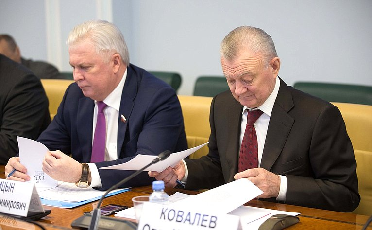 В. Наговицын иО. Ковалев