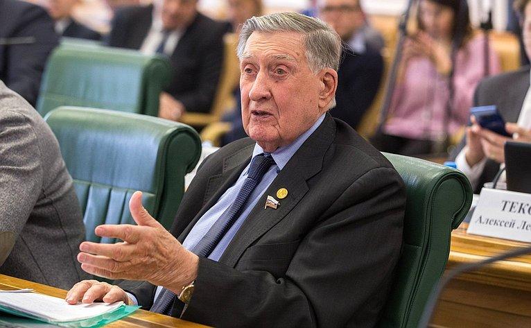 Владимир Долгих