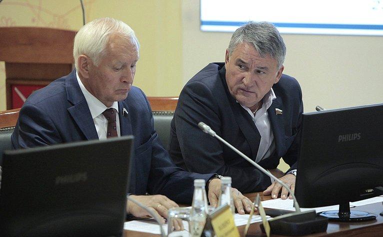 Николай Тихомиров иЮрий Воробьев