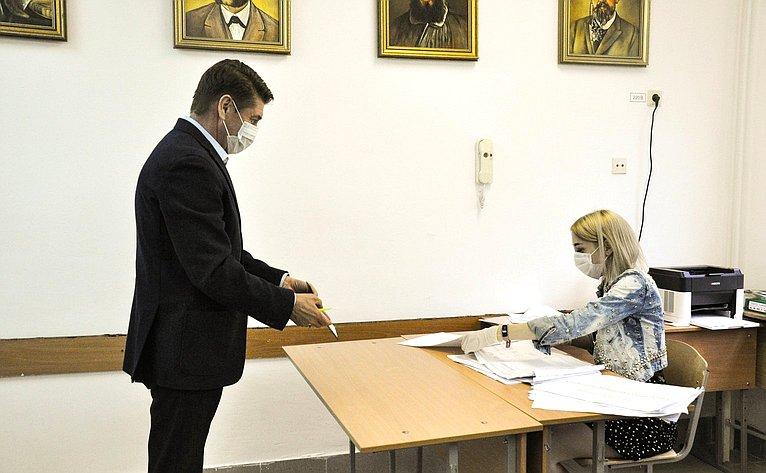 Андрей Шевченко принял участие вобщероссийском голосовании повопросу одобрения изменений вКонституцию РФ