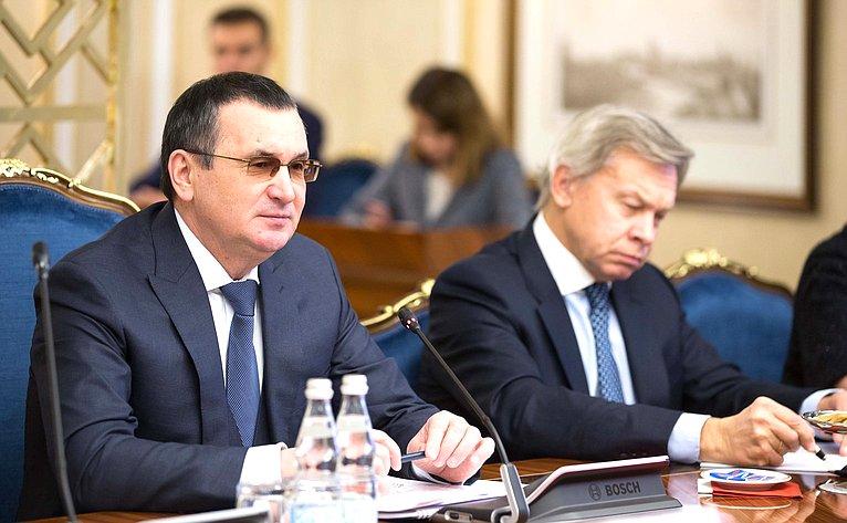 Н. Федоров иА. Пушков