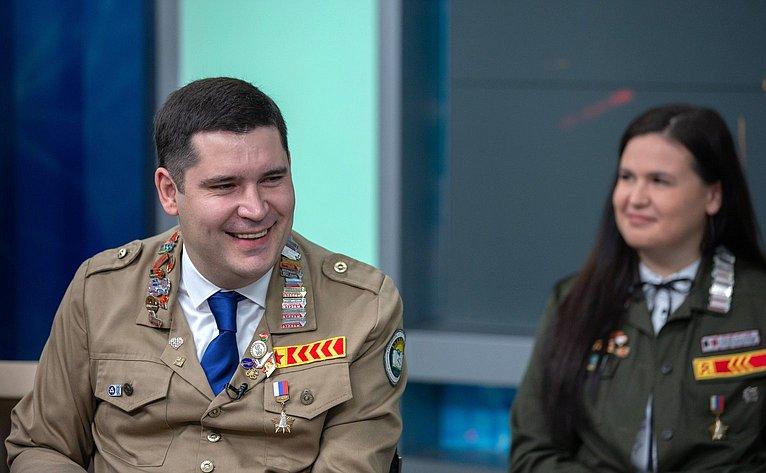 Встреча сенаторов сучастниками Всероссийского слёта студенческих отрядов