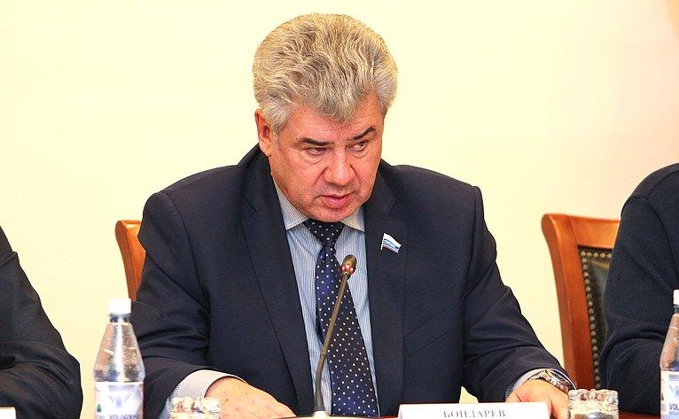 Ю. Бондарев