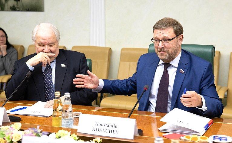 Встреча Константина Косачева сЧрезвычайным иПолномочным послом Королевства Дания вРФ Карстеном Сёндергордом