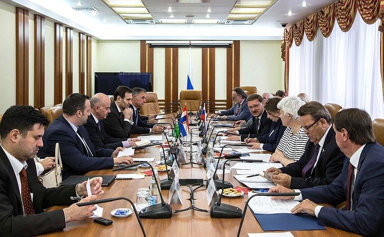Константин Косачев провел встречу сглавой Комитета повнешней политике Сабора (Парламента) Республики Хорватии Миро Ковачем