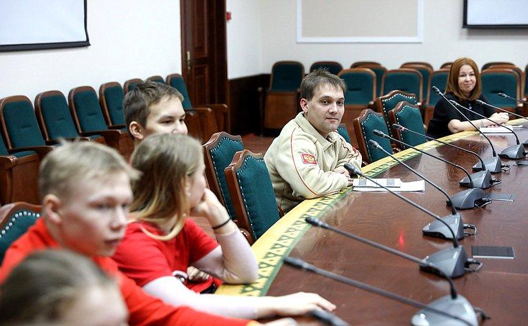 Римма Галушина провела встречу сюнармейцами Ненецкого автономного округа