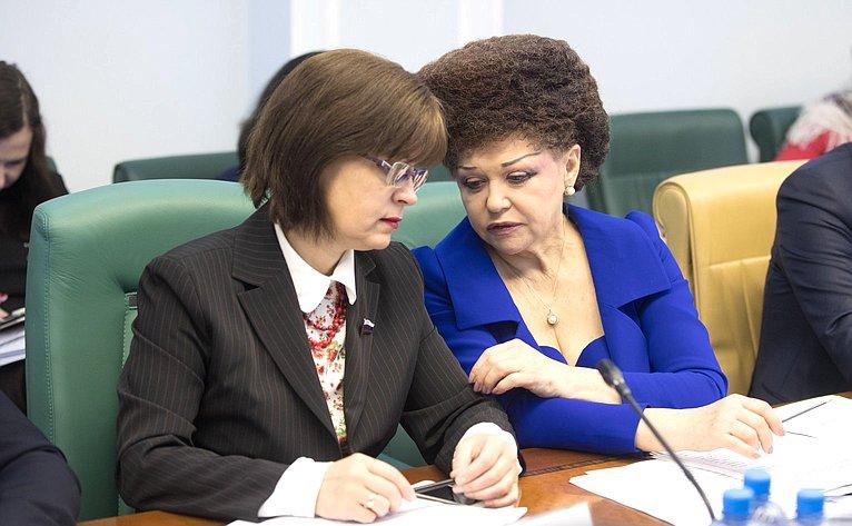 Е. Попова иВ. Петренко