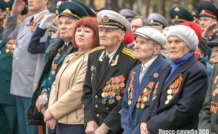 Николай Тихомиров принял участие вторжественном митинге, состоявшемся вгороде Вологда уМемориала «Вечный огонь Славы»