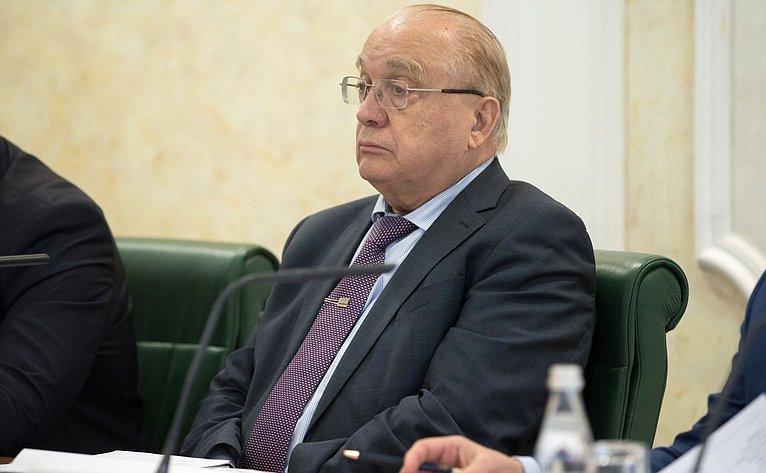 В. Садовничий