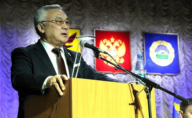 Баир Жамсуев принял участие вокружном итоговом совещании вгородском округе «Поселок Агинское»