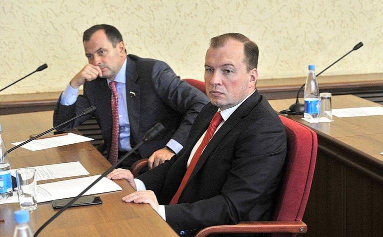 Юрий Федоров врамках работы вУдмуртской Республике принял участие всессии городской думы Ижевска