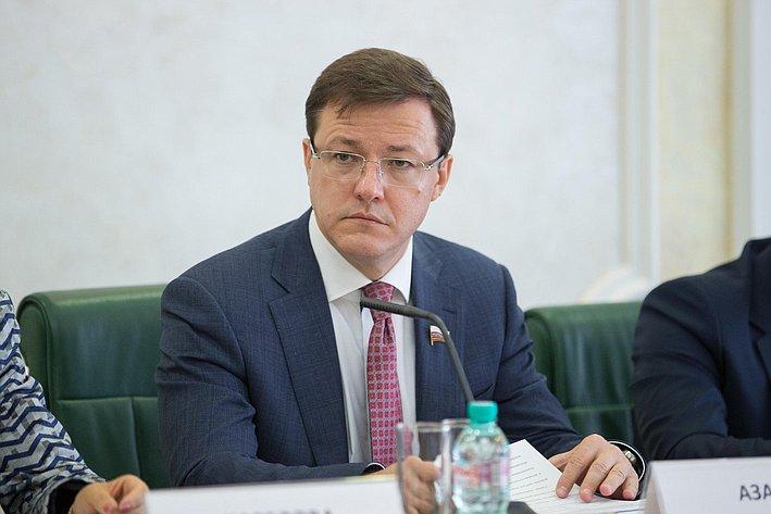 Заседание Совета по вопросам жилищного строительства и содействия развитию жилищно-коммунального комплекса Азаров