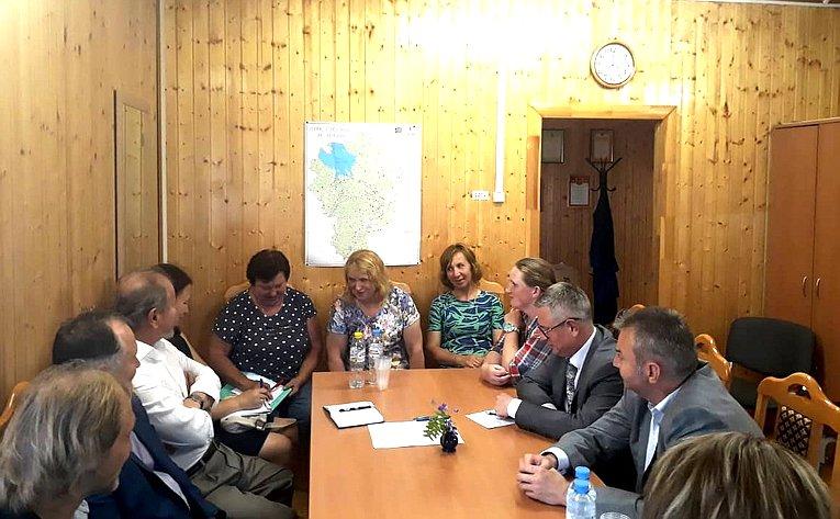 Игорь Каграманян посетил врачебную амбулаторию поселка Борок Некоузского района