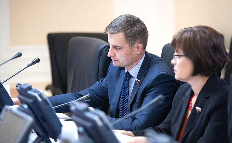 Дмитрий Шатохин иЕлена Попова