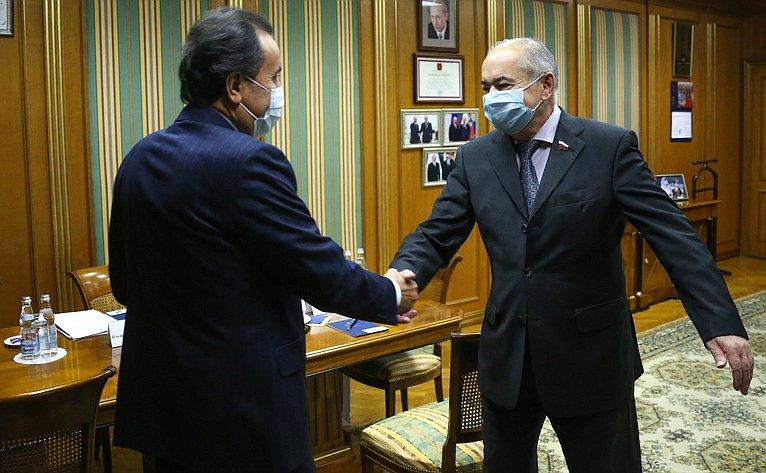 Встреча заместителя Председателя СФ Ильяса Умаханова сЧрезвычайным иПолномочным послом Республики Таджикистан вРФ