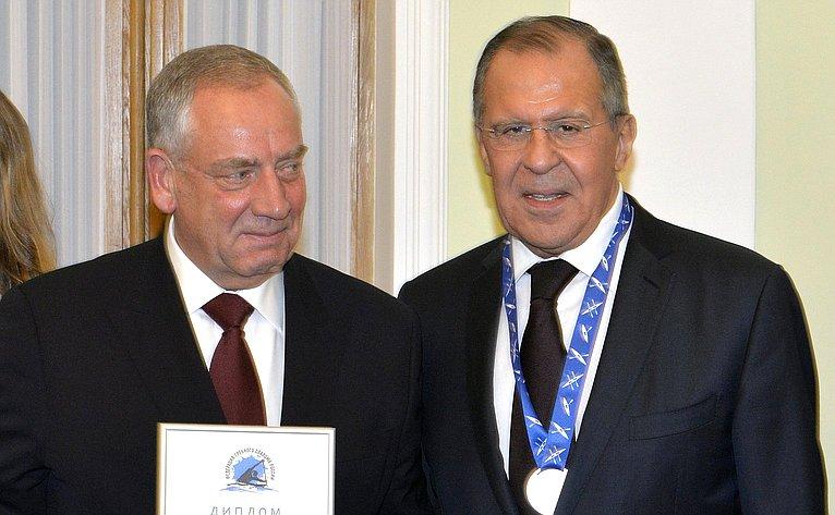 С. Митин награжден памятной медалью вчесть 10-летия Федерации гребного слалома России