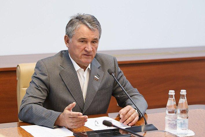 Заседание комиссия СФ по контролю за достоверностью сведений о доходах сенаторов -1 Воробьев