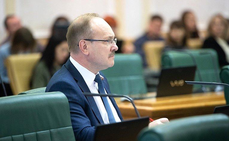 Василий Иконников