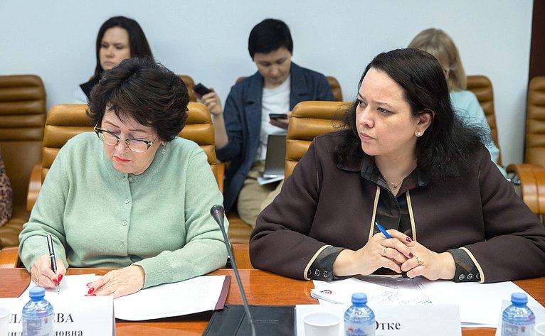 Людмила Талабаева иАнна Отке